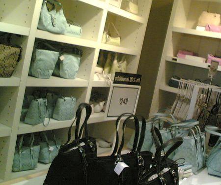 Outlet Stores Weltweit: Zum Beispiel Taschen